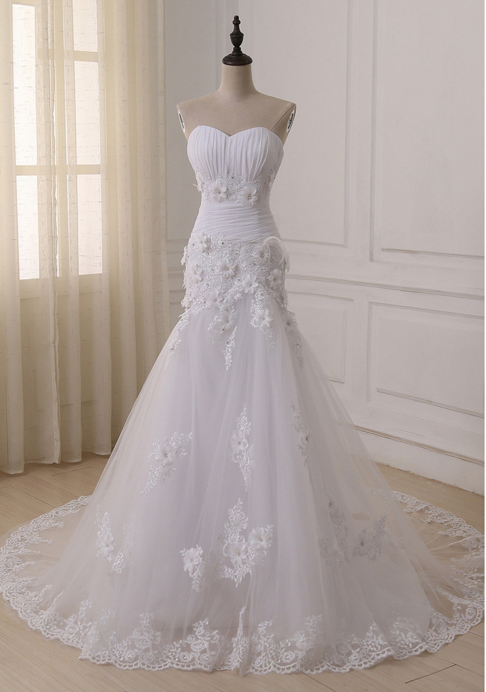 8272b79c5e0 ustom Made Luxurious Lace Appliques Flowers Mermaid Wedding Dress Corset  Bodice Top Quality Pleat Sweep Train