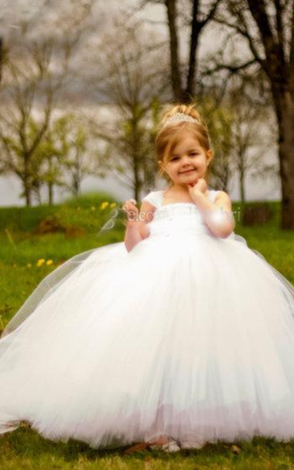 efbcc5c4303 Cute Lovely Baby White Flower Girl Dresses Miniature Bride Tutu Ball Gowns  Kids Little Girls Wedding Communion Gown
