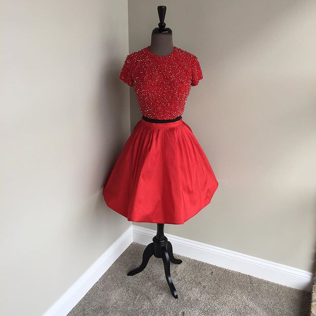 two piece homecoming dresses,short sleeves prom dress,beaded cocktail dress,red homecoming dress,sparkly dress,short prom dress 2017,homecoming dresses