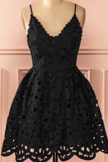 Black Spaghetti Straps A-Line Lace Short Cocktail Dress Homecoming Dresses