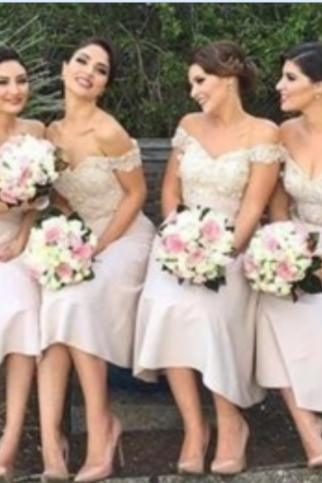 Off the Shoulder Appliques Knee-Length Bridesmaid Dresses