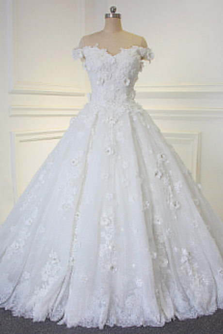 Off-the-shoulder Sweetheart Floral Ball Gown Wedding Dress with Lace Appliqués