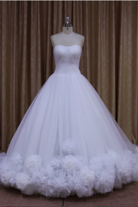 Fariy Tulle Strapless Ball Gown Wedding Dress With Floral Detail