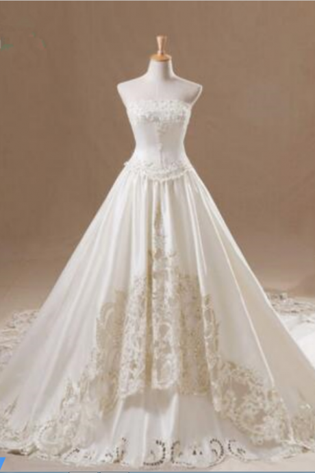 Luxury Strapless Wedding Gowns Appliqued Beading Bridal Dresses Floor Length Cathedral Train Wedding Dresses