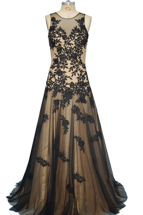 New hot neck pursues black lace to use at a formal party dress