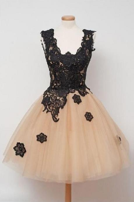 Champagne Short Tulle Homecoming Dresses black Appliques V-neckline, Homecoming Dresses